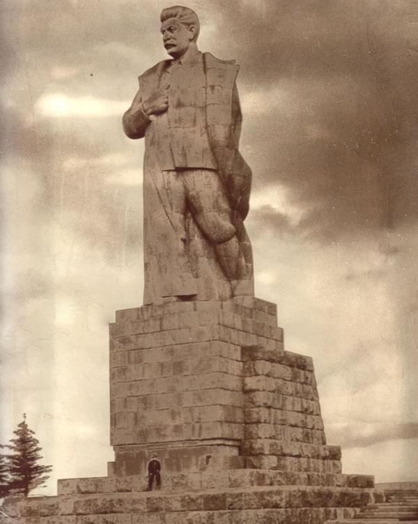 http://propagandahistory.ru/pics/2014/04/1397486123_a6b4.jpg