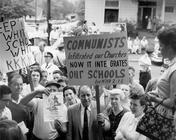 Нэшвилл, штат Теннеси, 1957 г. Коммунисты проникли в наши церкви, а теперь интегрируют школы